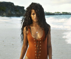 rihanna, beach, and riri image