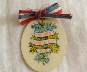 badge, vintage, and brooch image