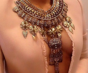 necklace and luxury image