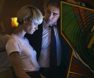 arcade, game, and mackenzie davis image