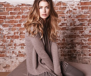 Doutzen Kroes and repeat cashmere image