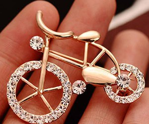 brooch, fashion, and jewelry image