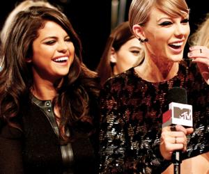 selena gomez, Taylor Swift, and vma image