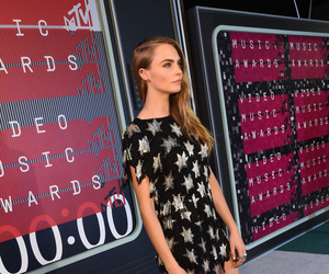 cara delevingne and vmas image
