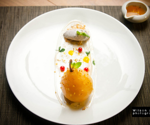 poached pear and osmanthus wine image