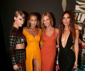 Taylor Swift, gigi hadid, and Karlie Kloss image