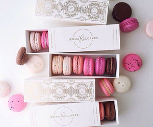 food, ‎macarons, and pink image