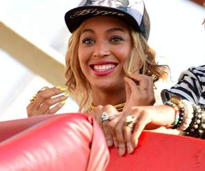 beyoncé, coney island, and smile image