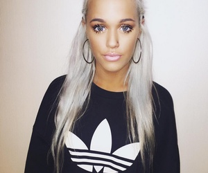beautiful and lottie tomlinson image