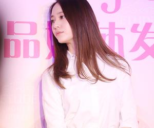 brown hair, hair, and krystal jung image