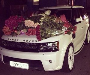 car and kylie jenners car image