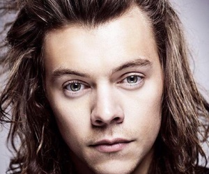 Harry Styles and action 1d image