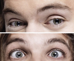 louis tomlinson, green, and Harry Styles image
