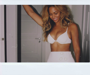 beyoncé, white, and queen b image