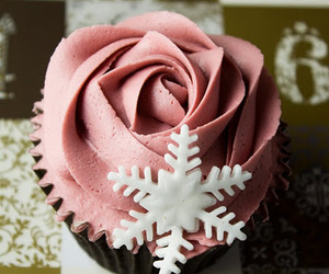 cupcake, pink, and snow image