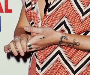 Harry Styles, one direction, and hands image