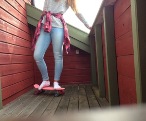outfit, pennyboard, and 4eversummer image