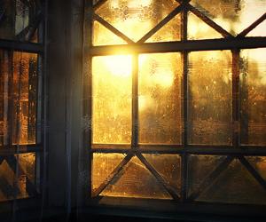 window and sun image