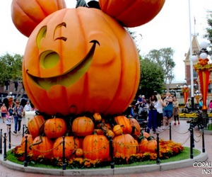 disney, quality, and spooky image