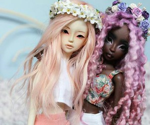 colored hair, dollmore, and dolls image