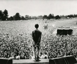 black and white, oasis, and liam gallagher image