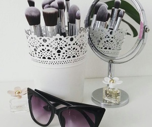 Brushes, daisy, and loveit image