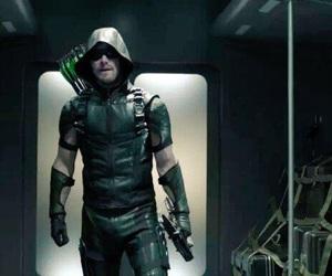 arrow, oliver, and season 4 image