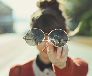 girl, vintage, and glasses image