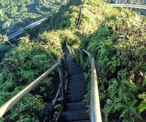 hiking, Oahu, and stairway to heaven image