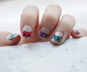 bow, color, and nail art image