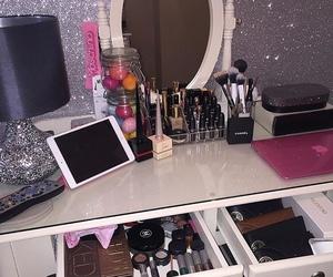 makeup, girly, and luxury image