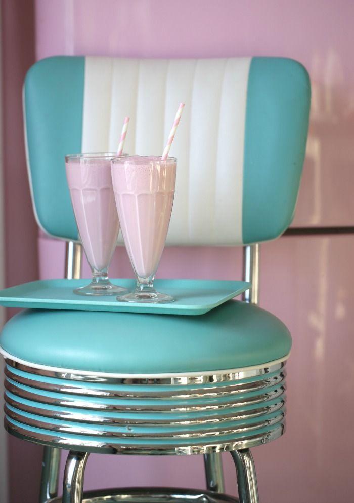 vintage, milkshake, and pink image