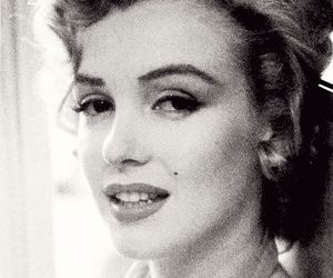 Marilyn Monroe, vintage, and black and white image