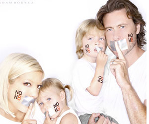 family, no h8, and tori spelling image