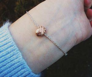 heart and bracelet image