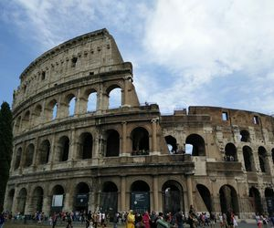 colosseum and italy image