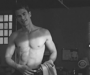 *-*, theo james, and divergent image