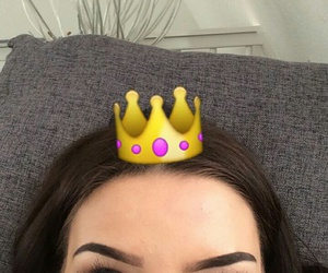 girl, Queen, and emoji image
