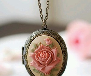 vintage, necklace, and rose image