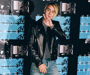 celebrity, jeans, and justin bieber image