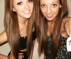 girl, friends, and brunette image