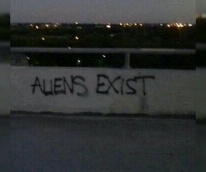 aliens, grunge, and indie image
