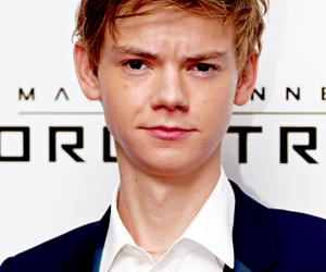 thomas brodie sangster, thomas brodie-sangster, and actor image
