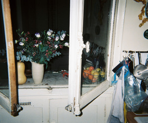 grunge, flowers, and pale image