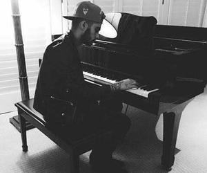 zayn malik, zayn, and piano image