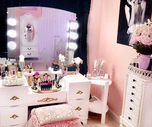 pink, luxury, and makeup image