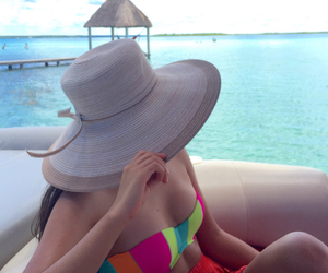 beach, bacalar, and Queen image