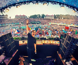 martin garrix and edm music image
