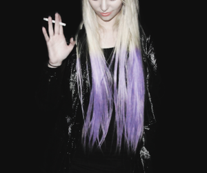 Taylor Momsen, grunge, and the pretty reckless image