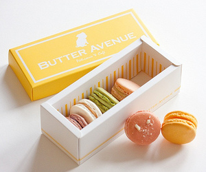 sweet and macarons image